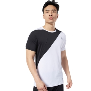 LES MILLS Blocked Tシャツ